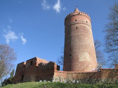 Bergfried der Burg Stargard