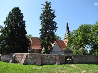 die Dorfkirche in Mellenthin