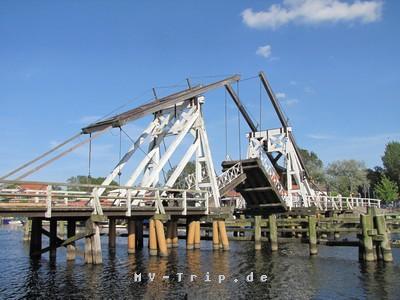 Zugbrücke Greifswald-Wieck